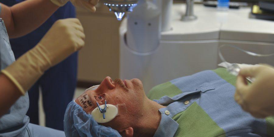 surgery-676396_1920